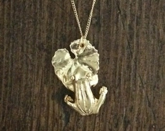 Birdhouse Jewelry- Frog on Lilypad Necklace