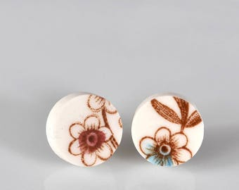 Simple Circle Broken China Stud Earrings - Blue and White Flower