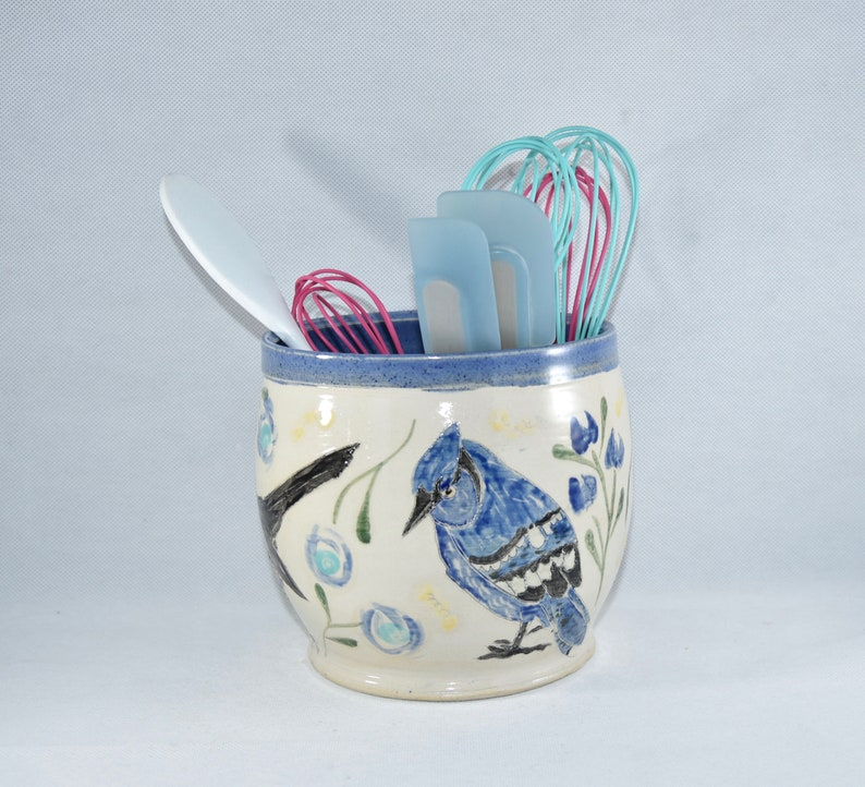 Kitchen utensil holder with Cardinal Crow and Bluejay . image 0