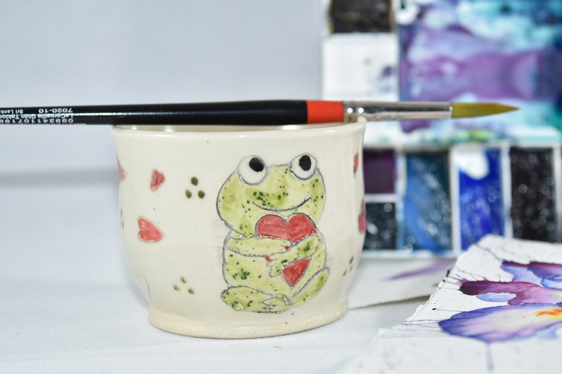 Painter's Watercolor Bowl. Artist Paintbrush Holder. Water Cup with Frog