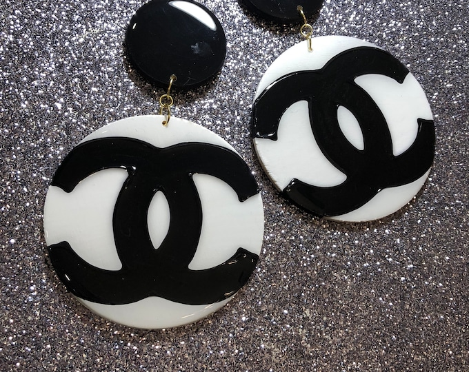 Faux Heaux (Black & White Dangle)