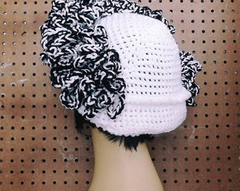 7253cab969a134 Art Deco Linda 1920s Crochet Cloche Hat Women Steampunk Style with Brim,  Black and White Loop Fringes Murder Mystery Scavenger Hunt, 4 Sizes
