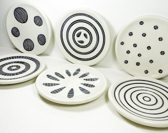 NEW. A Sweet Modern selection of Side Plates, carved bold designs in Black & White perfect for entertaining