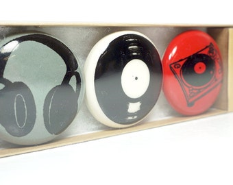 magnet set for a DJ. (3pk)