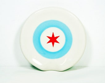 handle-less spoon rest / spoon dish with a Chicago Flag Star. Made to Order.