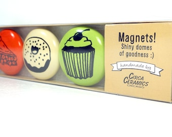 magnet set of sweet treats. (3pk)