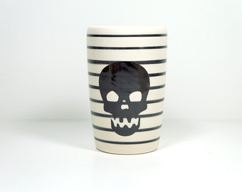 18oz tumbler with a scooby skull & pinstripes. Made to Order / Pick Your Colour