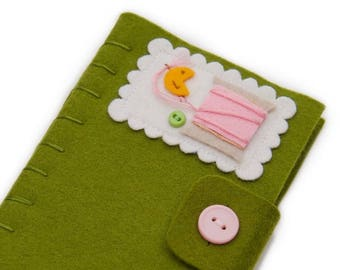 Felt Needle Book,  Needle Minder, Felt Needle Case, Sewing Supply, Quilting Gift, Pin Storage, Pretty Pincushion, Christmas Gift for Mom