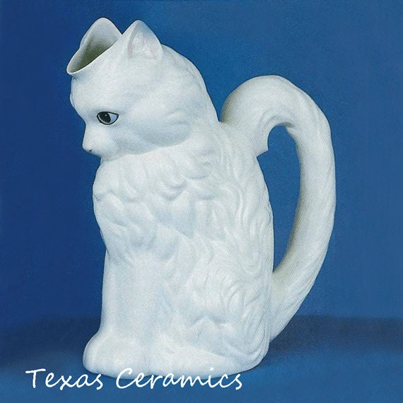 Cat Pitcher for Beverages, Large White Cat Shaped Ceramic Vase 10 Inches Tall for Flowers, 48 Ounces, Sweet White Kitty Cat