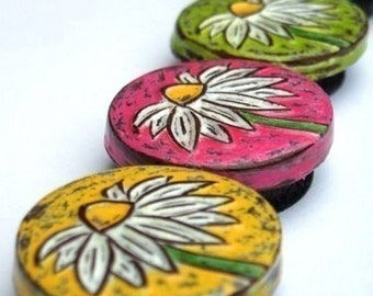 Daisy Magnet Set, Housewarming Gift, Yellow, Pink, Green and Blue Refrigerator Magnets, Gift for Mom, Teacher Gift, Coworker Gift, Wife Gift