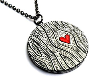 Woodgrain Heart Necklace,Red Heart Pendant, Valentine's Day Gift, Wood Anniversary Gift, Wife Gift, Girlfriend Gift, Faux Bois Jewelry