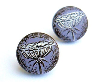 Queen Anne's Lace Stud Earrings, Purple Flower Post Earrings, Lavender Flower Jewelry, Floral Button Earrings, Wife Gift, Mom Gift,