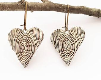 Wood Grain Heart Dangle Earrings, Faux Bois Jewelry, Rustic Heart Earrings, Woodgrain Earrings, Five Year Anniversary Gift, Wife Gift