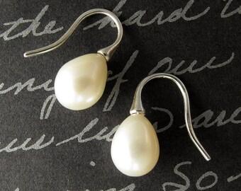 minimalist pearls - sterling silver pearl earrings