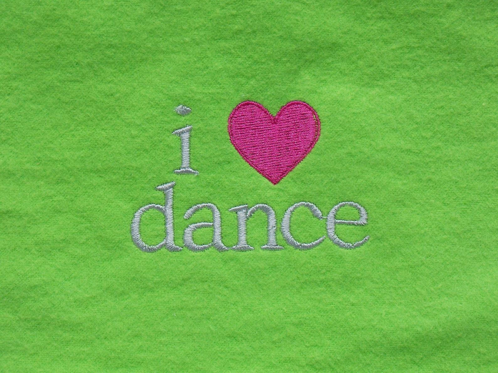 i love dance baby bib - ballet baby bib - dance baby bib - ballet dancer baby gift - ballerina baby bib - dance teacher baby gif