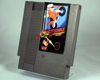 VINTAGE Nintendo Excitebike Cartridge Clock (1985)