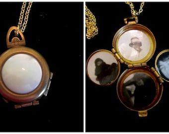 Vintage 4 Picture Locket - Mother of Pearl