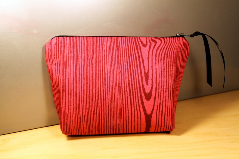Pink Wood Grain Zipper Pouch image 0