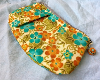 Change Purse, Zipper Pouch, Cosmetic Bag, Makeup Bag, Bridesmaid Gift, Gift for Her, Chic Coin Purse, Stitch Marker Bag, Notions Pouch