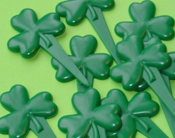 Amy Sedaris would love these shamrock cupcake picks / 144 pieces . SPECIAL SALE