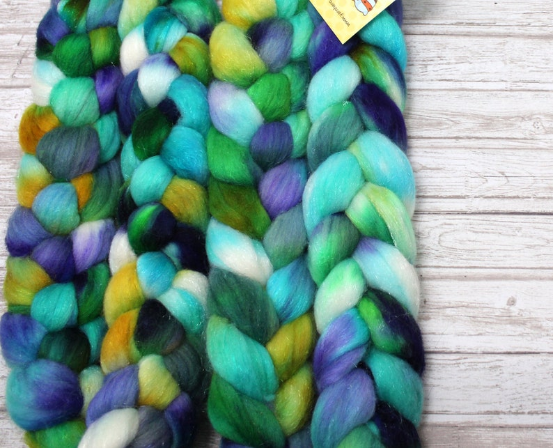 Hand Dyed Combed Top Merino Wool / Firestar  REPTILE HOUSE  image 0