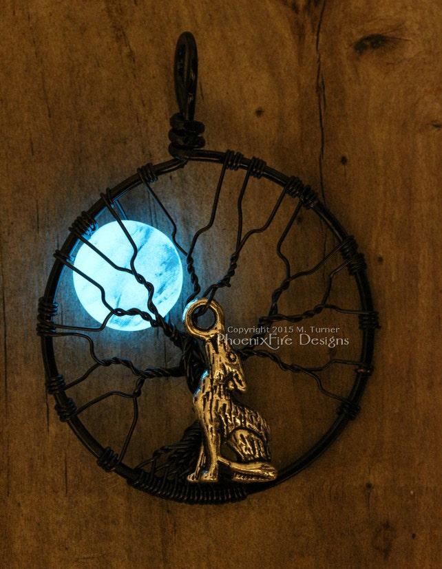 Glühen Sie in der dunklen heulender Wolf Vollmond Baum des | Etsy