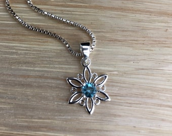 Snowflake Necklaces, Small Winter Necklace with Gemstone, Gifts For Her Necklaces, 925 Box Chain, Snowflake Holiday Christmas Necklaces 925