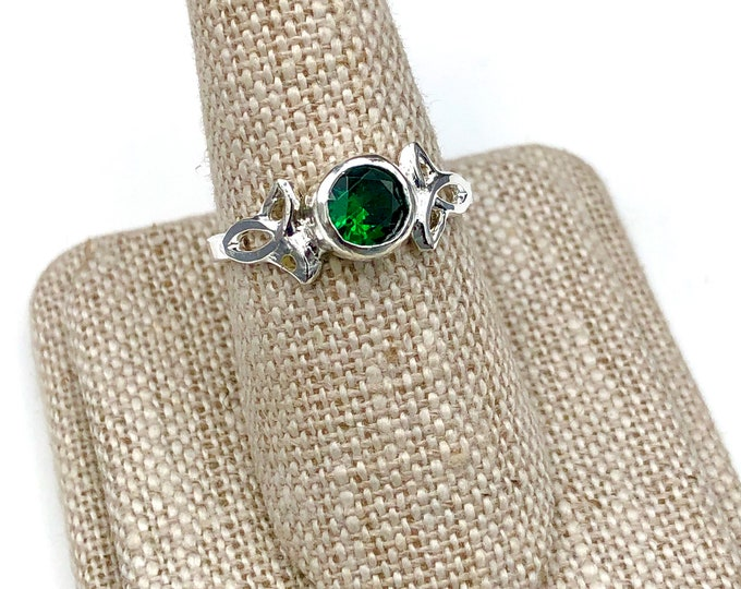 Emerald Celtic Trinity Knot Bezel Sterling Silver Ring, Irish Celtic Knot Rings with Gemstone, Handmade Irish Trinity Knot Moonstone Rings