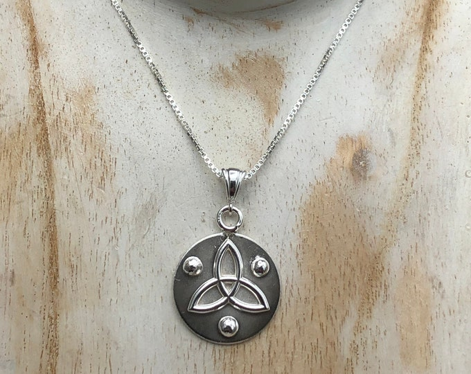 Circle Celtic Knot Necklace in Sterling Silver, Gifts For Her, Charmed Knot Necklace,  Irish Necklaces, Eternity Symbolic Celtic Jewelry