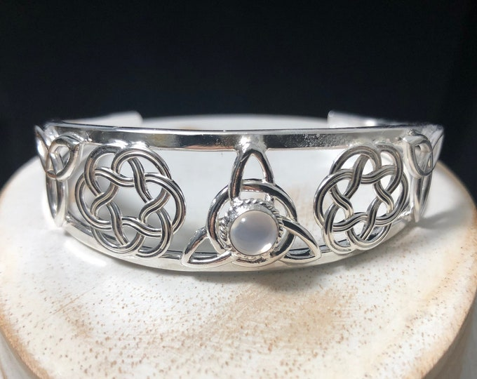 Celtic Knot Moonstone Bracelet Cuff in Sterling Silver, Irish Statement Jewelry, Celtic Symbolic Gifts for Her, Good Luck Jewelry