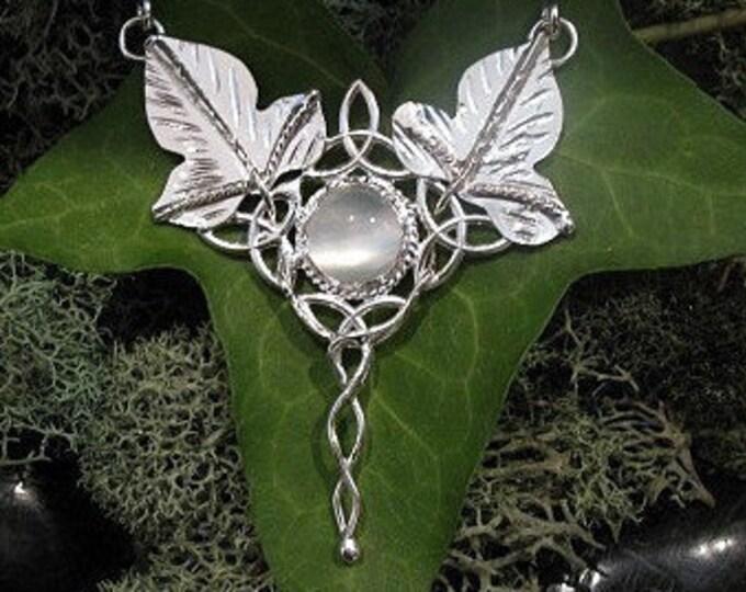 Ivy Woodland Leaf Necklace, Elvish Leaf Pendant Necklace, Waldorf Woodland Jewelry, Fae Woodland Gemstone Necklace 16 Inch Box Chain, .925