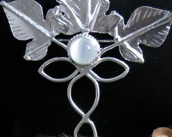 Woodland Leaves Elvish Renaissance Bridal Pin in Sterling Silver, OOAK Statement Broach Pin, Gemstone Cloak Wedding Pin, Bridal Wedding Pin