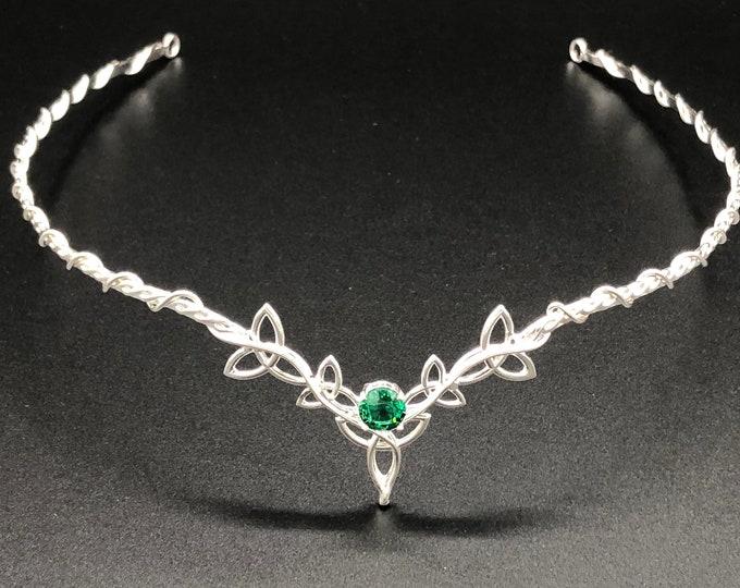 Celtic Emerald Tiara in Sterling Silver, Irish Wedding Tiara, Celtic Knot Circlet with Gemstone, Handmade Wedding Diadem in Sterling Silver