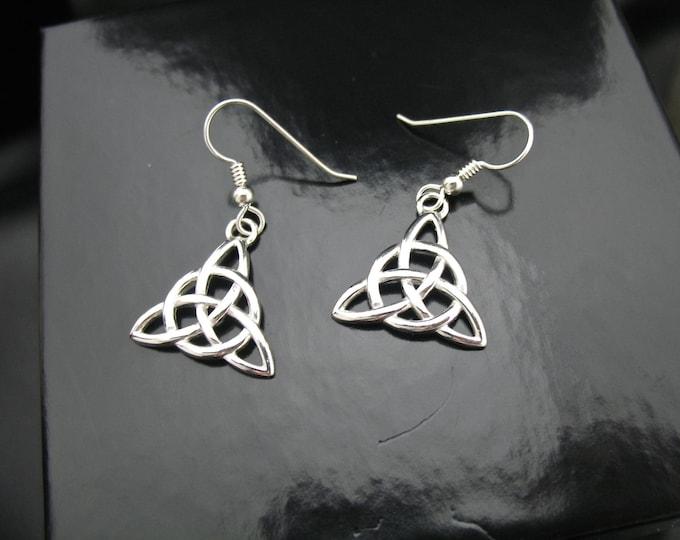 Sterling Silver Irish Trinity Knot Earrings, Celtic Earrings, Celtic Knot Earrings, Renaissance Earrings, Trinity Knot Jewelry