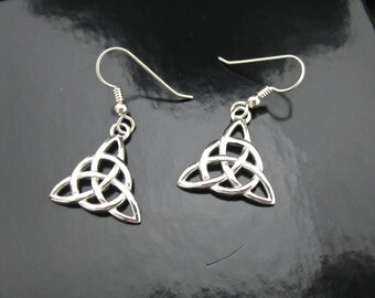 Simple Irish Trinity Knot Earrings in Sterling Silver, Celtic Earrings, Celtic Knot Earrings, Renaissance Earrings, Trinity Knot Jewelry