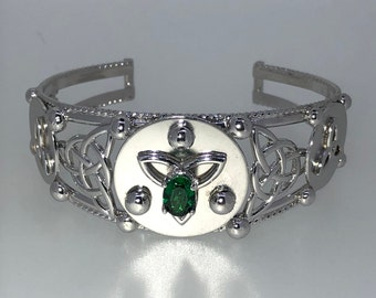Celtic Knot Emerald Bracelet Cuff Sterling Silver, Irish Statement Celtic Jewelry, Artisan Cuff Bracelet, Gifts For Her, Scottish Bracelets