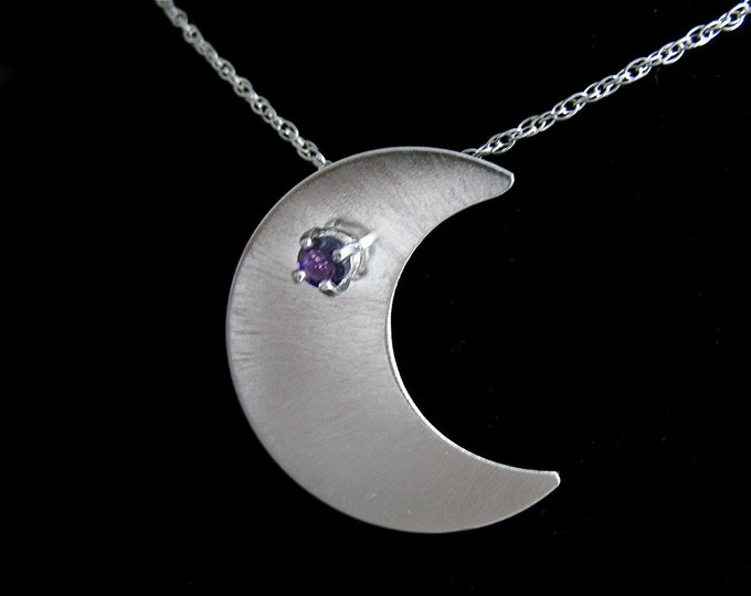 Stevie Nicks Inspired Crescent Moon Pendant Necklace with Faceted Gemstone - 18 Inch Box Chain, Waxing Crescent Moon Necklace, Moon Jewelry