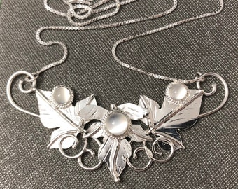 Woodland Leaves Sterling Silver Necklace, Leaves Fae Renaissance Necklace with Lab Emerald, 16 inch Box Chain 925, Bohemian Style