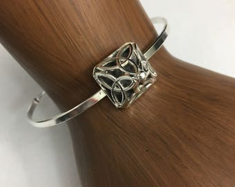 Celtic Symbolic Dara Trinity Knot Bracelet Cuff, Irish Bracelet Cuff, Trinity Knot Scottish Bracelet Jewelry, Celtic OOAK Simple Cuff