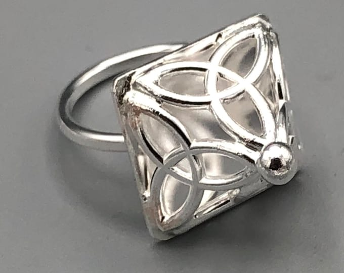 Pyramid Celtic Knot Ring Sterling Silver, Trinity Knot Rings, Handmade Triquettra Irish Rings, Triangular Shaped Jewelry