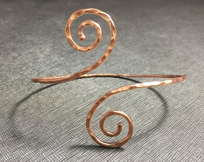 Copper Swirl Bangle Cuff Bracelet, Handmade, 14 gauge copper wire, Bracelet Cuff in Copper, Simple Swirl Copper Cuff Bangle
