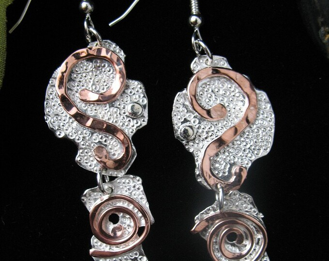 Mixed Metal Artistic Hammer Texture Earrings, Art Deco Earrings, OOAK Earrings with Silver and Copper, Combo metal earrings, Art Nouveau