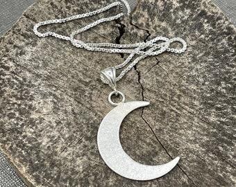 Sliver Crescent Moon Pendant in Sterling Silver, Stevie Nicks Inspired Thin Crescent Moon Pendant, Celestial Moon Necklace, Solid 20 gauge