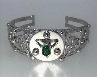 Celtic Knot Emerald Bracelet Cuff Sterling Silver, Irish Statement Celtic Jewelry, Artisan Cuff Bracelet, Gifts For Her, Scottish Bracelets