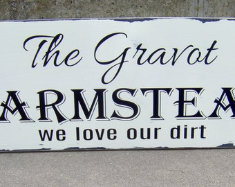 Last Name Farmstead Wood Vinyl Sign Personalized Distressed Farmhouse Rustic Sign Family Name Sign Wedding Wall Decor Wall Hangings Gift Art