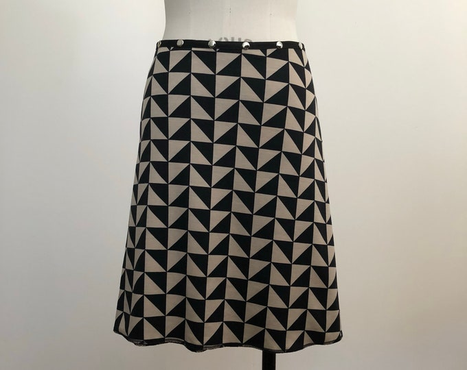 Snap Skirt Black and White Triangles