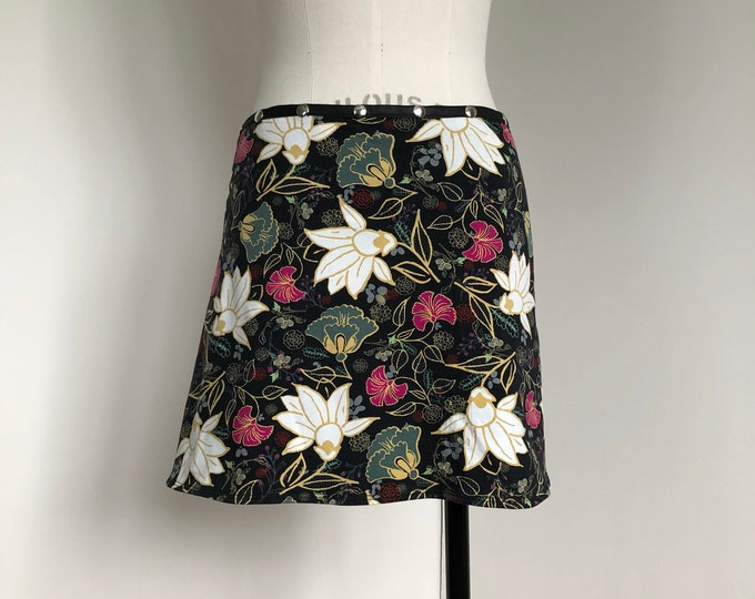 Yoga skirt, Bum cover, Snap Around Skirt, Women Skirt, Plus size, adjustable skirt, black flower skirt, activewear, Erin MacLeod