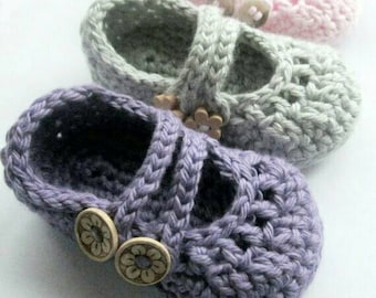 Baby Booties , Crib shoes , Crochet Mary Janes, baby slippers // You Choose Size and Color // Baby Shower Gift , Pregnancy Announcement