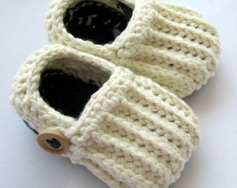 Baby Booties, Baby Slippers, Cotton Loafers, Crib shoes // Many Colors to Choose from // Baby shower gift, Pregnancy announcement