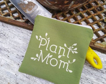 Plant mom green zipper pouch. Great gift for the green thumb! Botanical inspired mini purse. Plant lady.